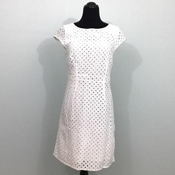 139c7268087166 Old Navy White Eyelet Short Cap Sleeve Dress. M 5ac39d4346aa7cf569aaa151